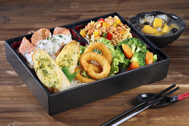 Food Talks has Experience of Delivering Halal Bento Catering